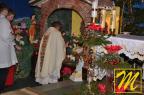 wniesienia przez ks. Proboszcza figurki narodzonego Chrystusa